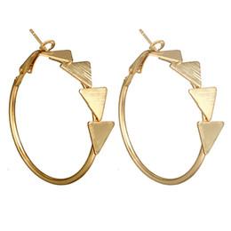 Basit Stil Büyük Metal Yıldız Üçgenler Yuvarlak Kalp Hoop Küpeler Kadınlar Için Punk Abartma 2018 Moda Takı Boho Geometrik cheap triangle metal earring nereden üçgen metal küpe tedarikçiler