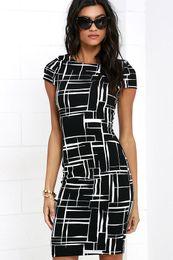 2019 nouvelle conception femmes robes ventes chaudes imprimées femmes col rond petite couverture manches noir et blanc robe d'été sexy vêtements femmes ? partir de fabricateur