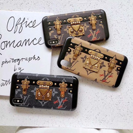 Caso del telefono di iphone per le ragazze online-Fashion Girl Brand Card Pocket Designer donna Cassa del telefono di lusso per iPhone XSMAX XR X XS 6 7 8 Plus in pelle