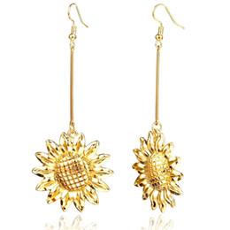 80211629e379 2019 simples colgantes de flores de oro Pendientes colgantes salvajes flor  de metal de la moda