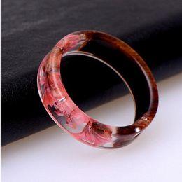 anillo de resina transparente Rebajas 2019 encanto colorido Anillos redondos hombres nuevo estilo Claro Resina Anillo hecho a mano de flores secas anillos epoxi para las mujeres joyería al por mayor