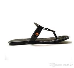Европейские и американские сандалии из натуральной кожи Brand New Shoes женщины стринги сандалии лето женщины пляж сандалии известный вьетнамки, продается от