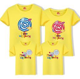 2019 ropa de papá hijo Mamá Papá Hijas Hijos Camisetas 2019 Nueva Familia O-cuello Camiseta de dibujos animados Ropa Algodón Tops One Piece Niño Ropa familiar Fy057 ropa de papá hijo baratos