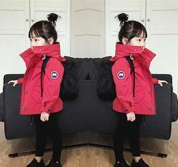 estilo do exército da forma dos miúdos Desconto jaqueta à prova de vento As tendências da moda Esportes exaurir ao ar livre jaqueta hoodie das crianças casaco da menina