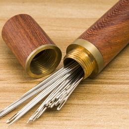 12pcs Aço inoxidável auto threading agulhas de costura Blindman agulha com madeira caso agulha potável bordado Armazenamento de Fornecedores de acessórios para ferramentas de colcha