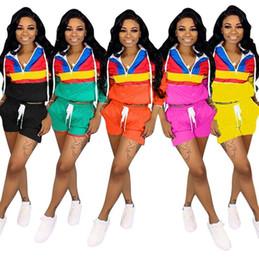 Las mujeres remiendo chándal contraste de color con capucha con cremallera chaqueta corta los pantalones cortos con cordón sudadera con capucha 2 unids / set OOA6523 desde fabricantes
