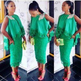 2019 vestidos de chá verde 2019 New Green Moda Bridesmaid Dresses Special Lace Design Frisada Cape Tea Comprimento Prom Vestidos vestidos de chá verde barato