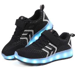 Chargeur chaussures en Ligne-Respirant 2018 nouveau 25-37 chargeur usb rougeoyant baskets led enfants allumant chaussures garçons / filles illuminé baskets lumineux noir Y19051303