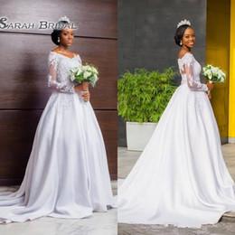Vestidos de casamento brancos modestos on-line-Modest Laço Branco Mangas Compridas Vestidos De Casamento Uma Linha Fora Dos Ombros 2019 Sul Africano Apliques de Trem Da Varredura Vestidos de Noiva Formal