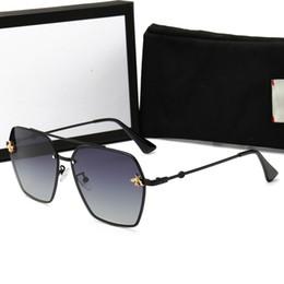 Moda Mens Designer Polarizada Óculos De Sol Das Mulheres De Luxo Pequena Abelha Óculos De Sol UV400 Óculos De Sol Com Caixa e Caixa de Fornecedores de acessórios mercedes benz