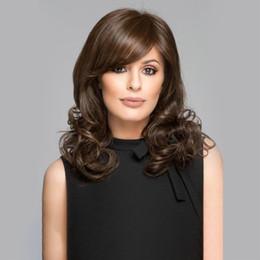 Flechas curtas longas cabelos encaracolados on-line-Peruca de mulheres Curtas Slant Bangs Long Curly Hair Moda Escritório senhora onda Perucas