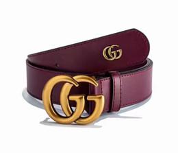 Créateur de luxe de ceinture pour hommes et femmes avec boucle en métal à la mode, concepteur de luxe en cuir de haute qualité, ceintures pour hommes et femmes ? partir de fabricateur