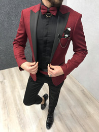 homem, escuro, vermelho, paleto, casaco Desconto Vermelho Escuro Brilhante Dos Homens Ternos Formais Do Casamento Smoking Padrinhos Homens Da Noiva Ternos Do Jantar Lazer Blazers Outfits Conjuntos (Jaquetas + Calças)