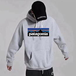 2019 hoodie creed blu assassini bianchi Designer modo di alta qualità Patagonia Tee Marca con le etichette cotone casuale Tops hoodies lunghi del manicotto per le donne Mens Tops Streetwear