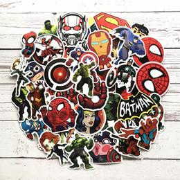 2019 molduras de carro diy 100 pçs / set Marvel hero Graffiti Adesivo Personalidade Bagagem DIY adesivos de Parede Dos Desenhos Animados PVC Adesivos de Carro Decoração Crianças Brinquedos de Presente