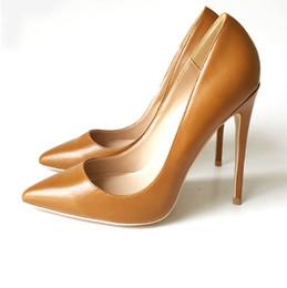 Zapatos stilettos marrones online-Envío gratis mujer dama 2019 sexy marrón cuero rojo punta puntiaguda tacones de boda Stiletto zapatos de tacones altos bombas suela inferior 12 cm 120 mm