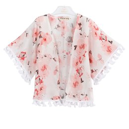 Abrigo poncho para niños online-Baby Girl Peony Outwear Kids Manteau Baby Girl Ropa de diseñador Mariposa Impresión de la flor Capa fina Cuatro estaciones 43