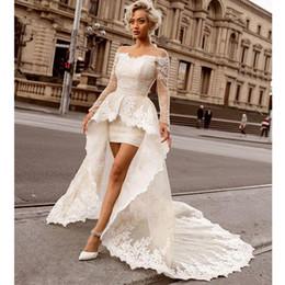 merletto sopra il vestito da cerimonia nuziale del ginocchio Sconti Sopra i mini abiti da sposa dal pizzo del fodero del ginocchio con il treno staccabile Sexy Off the Shoulder Maniche nuziali di nozze della manica lunga