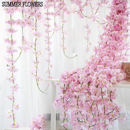 Corona di fiori di ciliegio online-200 cm artificiali fiori di ciliegio fiore decorazione di cerimonia nuziale diy rattan ghirlanda di fiori di simulazione vite appeso a parete corona kka6968