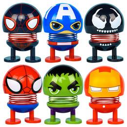 2019 audi a4 bracciolo Auto Shaking Spring Toy Accessori Interni The Avengers Divertente Emoji Shaker Auto Decori Scuotere la Testa Bambola Auto Decorazione Giocattolo HHA167