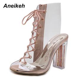 Aneikeh 2019 PU Bottes De Mode Femmes Transparent Bout Toit Chaussures Carrés Talons Hauts Cross-Tieds Mi-Mollet Noir Or Taille de Partie 4-9 ? partir de fabricateur