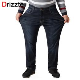 Pantalones negros altos online-Drizzte Big Tall Plus Size 30 a 52 Jeans para hombres Jeans rectos elásticos Pantalón Jean azul grande Tamaño grande para pantalones grandes y altos