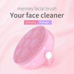 Escova de limpeza facial portátil com silicone macio para cada pele, bateria substituível e dispositivo de cuidados da pele à prova d'água de