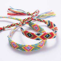 Wholesale Folk Custom Hand Make gioielli braccialetto nappa per le donne Nepal Designer bracciali Bracciale a catena in cotone corda colorata Offerta speciale