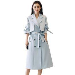 004cbebf4d7a Cappotto di trincea della signora dell'ufficio di Vogue delle donne di alta  qualità Cappotto per le donne Cappotto di base dei vestiti della primavera  della ...