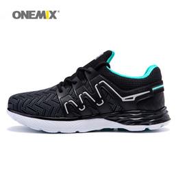 Onemix scarpe da corsa uomo sneakers sportive nere leggere scarpe da  jogging per uomo sneakers sportive traspiranti da passeggio all aperto  scarpe onemix ... 9a0065ea877