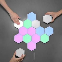 lâmpada de favo de mel Desconto Colorido LED Honeycomb Quantum Hexagon Lâmpada de parede com toque sensível para Quarto Sala Stair Loft DIY Decor Night Light