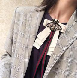 Nouvelle Broche Femmes Bohème Bow Tie Bow Shirt Dentelle Abeille Longue Ruban Vacances Cadeau Accessoires De Mode ? partir de fabricateur
