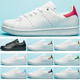 Distribuidores de descuento Zapatos Planos De Oro Al Por
