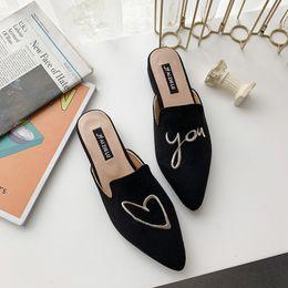 2019 scarpe chiuse a punta per l'estate Classics Fashion Casual Slippers Flock Solid Ricama Punta chiusa Slides Summer Closed Toe Low Shoes scarpe chiuse a punta per l'estate economici