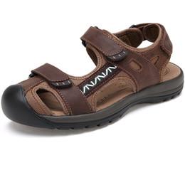 Geschlossene zehenleder sandalen männer online-Hohe Qualität Echtes Leder Männer Sandalen Schuhe Outdoor Sommer Wasser Schuhe Closed Toe Männlichen Strand Sandalen Große Größe
