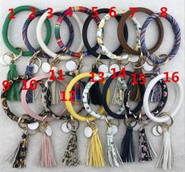 Cable de llavero online-Monogram Keychain Lanyard PU pulsera de cuero, llavero personalizado monogram esmalte disco encanto cuero cordón borla llavero pulsera