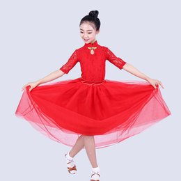 Enfants Moderne Danse Robes Filles Manches Longues Rouge / Blanc Jupe De Danse De Salon De Performance Performance Costume Valse Costume DQL1314 ? partir de fabricateur