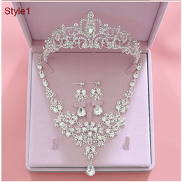 crown stud settings Coupons - 2019 Fashion Crystal Bridal Jewelry Sets Wedding Crown Earrings Necklace Cheap Wedding Bridal Hair Accessories Women Prom Bride Tiara Crowns