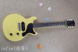 Oem oro solido online-Commercio all'ingrosso - 2019 chitarra elettrica solida di colore giallo solido con hardware in oro modello G-lp chitarra OEM + Spedizione gratuita!