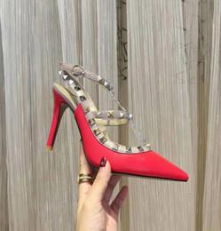 día de la boda talones Rebajas 19 diseñadores de marcas puntiagudos remaches tacones altos charol sandalias de encaje zapatos de vestir de día de San Valentín zapatos de tacón alto de boda