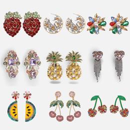 2019 fiore di nozze che appendono i cristalli Dvacaman Orecchini fiore frutta per le donne Orecchini pendenti in cristallo colorato Ragazze Party Hanging Regali per matrimoni sconti fiore di nozze che appendono i cristalli
