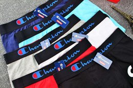 2019 calças justas Mens Designer Underwears Boxers Frete Grátis Marca Masculina Moda Venda Quente Estilo Fechado Boxers Cuecas Respiráveis 4 Cores