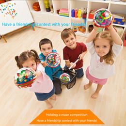2019 bolas de laberinto Juguetes educativos para niños Mini 100 niveles Inteligencia Ball 3D Stereo Labyrinth Ball Puzzle Juego Magic Labyrinth Ball Toy bolas de laberinto baratos