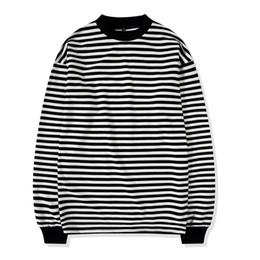 Camiseta de manga larga a rayas negras online-Oversize Street Style para hombre sudadera con cuello redondo en blanco y negro a rayas acanalado manga larga Pullover envío gratis