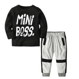 2019 pantalons garçons 6t Casual Toddler Enfants Bébé Garçon T-shirt Lettre Mini Patron Tops Pantalon 2 Pcs / lot Tenues Vêtements Costume 1-6T promotion pantalons garçons 6t
