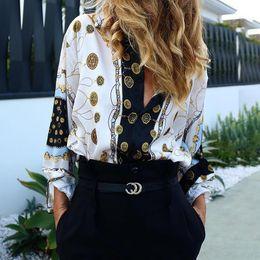 schmetterling stil blusen Rabatt Frauen arbeiten elegantes Partei-Hemd-beiläufige Blick-Oberseiten-Büro-Arbeitskleidungs-Kettenmetallischer Druck knöpfen oben Bluse um