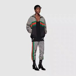 Sudaderas de calidad slim online-Italia diseñador de la marca Hombres jogging trajes medusa impresa sudaderas con capucha de tiburón sudadera slim fit chándales hombres chaqueta de alta calidad conjunto de ropa deportiva