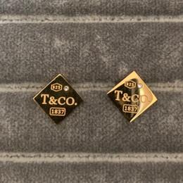 Nuovo prezzo dell'orecchino di disegno online-Nuovo arrivo di alta qualità lettera di nozze in acciaio inossidabile 316L design orecchino design oro argento rosa borchie quadrate per le donne prezzo all'ingrosso