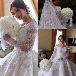 2019 dubai designer Dubai Arabisch Luxus Designer Brautkleider Schulterfrei Spitze Juwelen Kristalle Hochzeit Brautkleider mit langen Ärmeln Spitze Brautkleider rabatt dubai designer