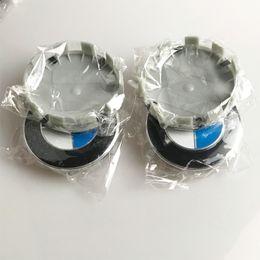 Cappelli centrali 68mm online-4 pz 68mm bianco blu 10 pin Centro Auto Ruota Mozzo caps Rim Caps Covers Logo Distintivo Dell'emblema per BMW 1 3 5 7 X3 X5 M3 M5 36136783536